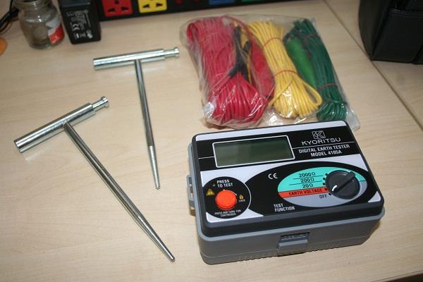 Kết quả hình ảnh cho máy đo điện trở đất Kyoritsu 4105A